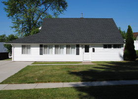 15 Cameo Place, Levittown